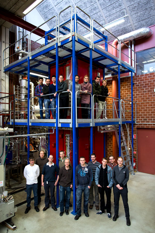 The team in front of a CLC test rig